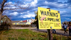 Gas pipeline warning sign