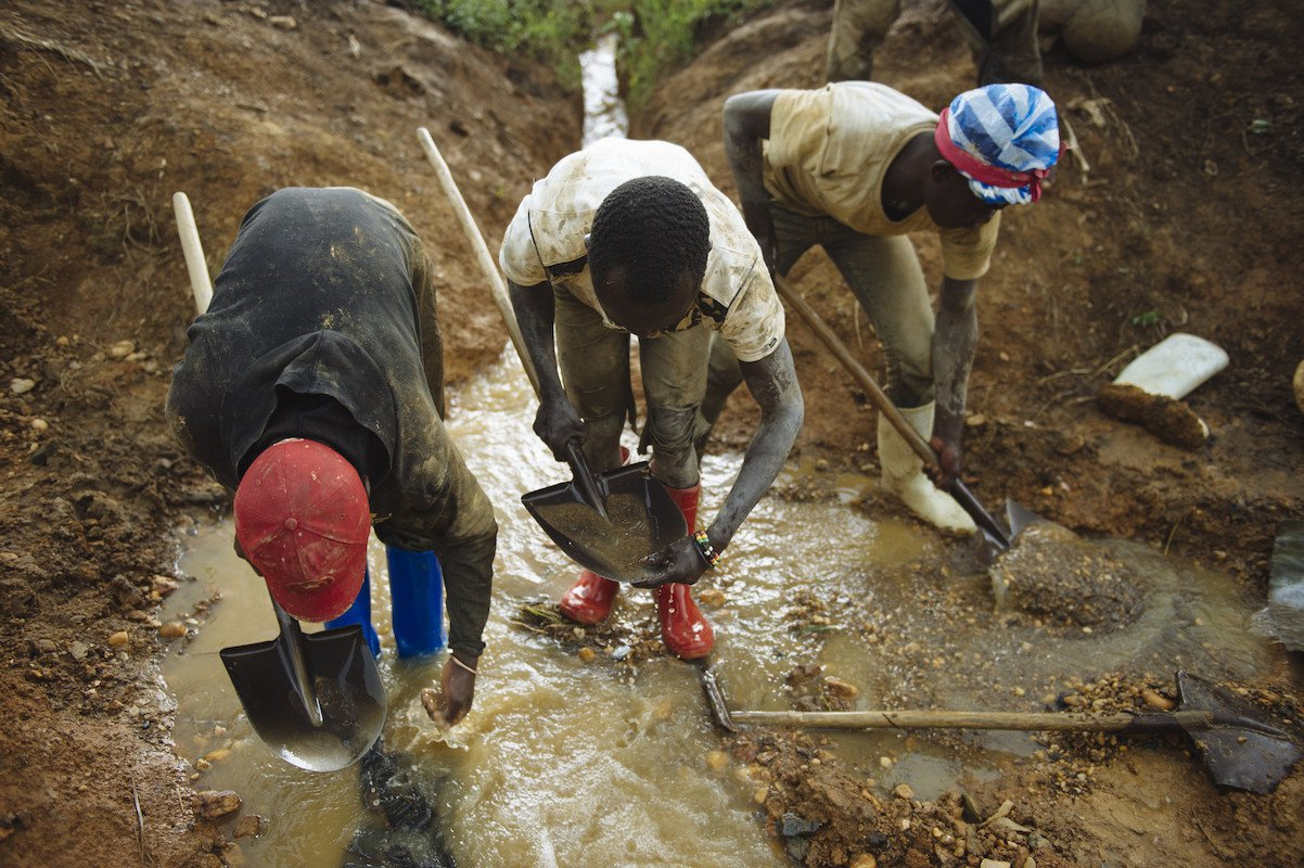 DRC gold miners