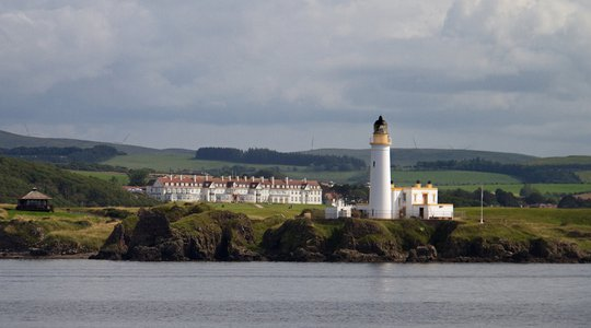 Trump Turnberry Hotel and Lighthouse.jpg